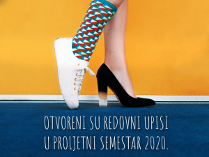 two female legs with a tennis shoe and a pump on a yellow and blue background with the text upisi u proljetni semestar